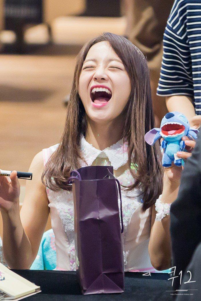 Photos Of Kim Sejeong Imitating Cartoon Characters Go
