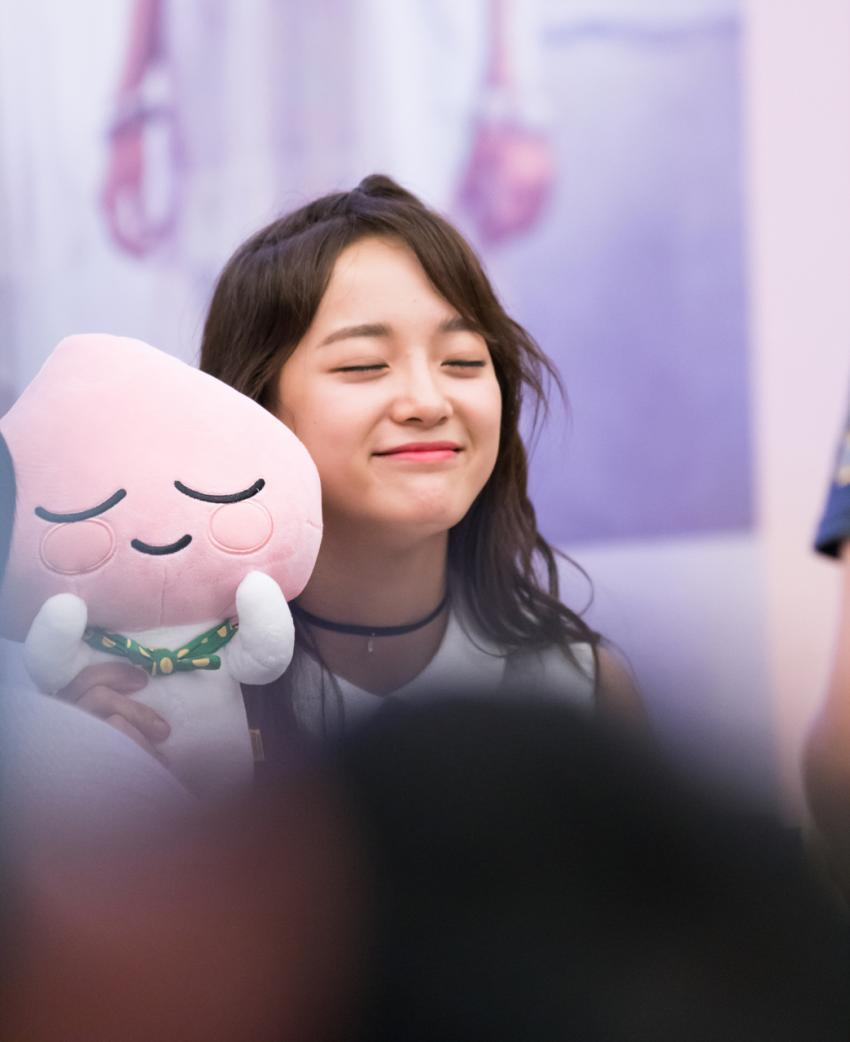 Photos Of Kim Sejeong Imitating Cartoon Characters Go