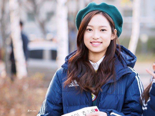 Image: Fan taken photo of APRIL's Yena