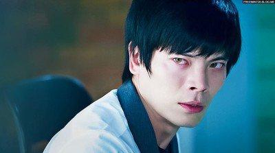 7 Korean Celebs Who Were Born With Unique Eye Colors Koreaboo