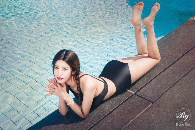 "Image: Brave Girls Hayoon for ""Yoo Hoo"" digital single (2016) / Brave Entertainment"