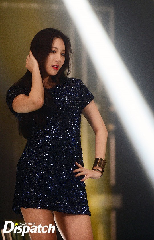 Girl's Day Yura spotted in a midnight blue, sparkly mini-dress at Girl's Day's CF music video filming. / Dispatch