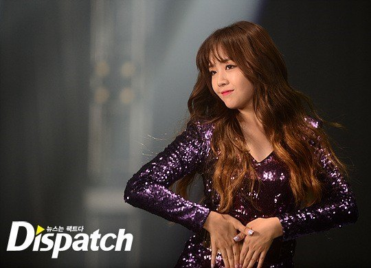 Girl's Day Minah rocking a brand new natural light brown wavy hairstyle at recent CF music video filming. / Dispatch
