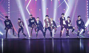 Image: Yoo Jae Suk & EXO Perform Dancing King for EXO'RDIUM / SM Entertainment