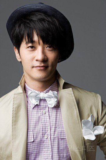 Clazziquai's Alex (Birth name: Chu Heon Gon)/ Instiz