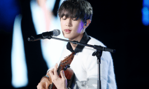 Image: Fantaken of EXO's Chanyeol performing the guitar on Music Bank in Hanoi on March 28, 2015