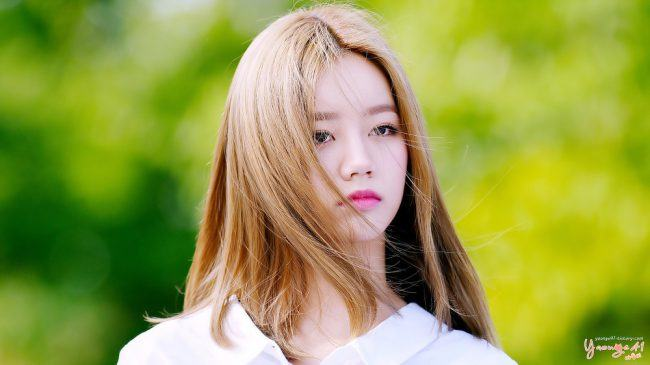 Image: Girl's Day Hyeri at a fan sign / Taken by yaonge41