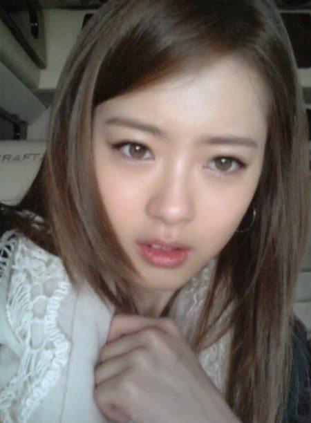 Go Ara's naturally light-colored eyes/ Instiz.