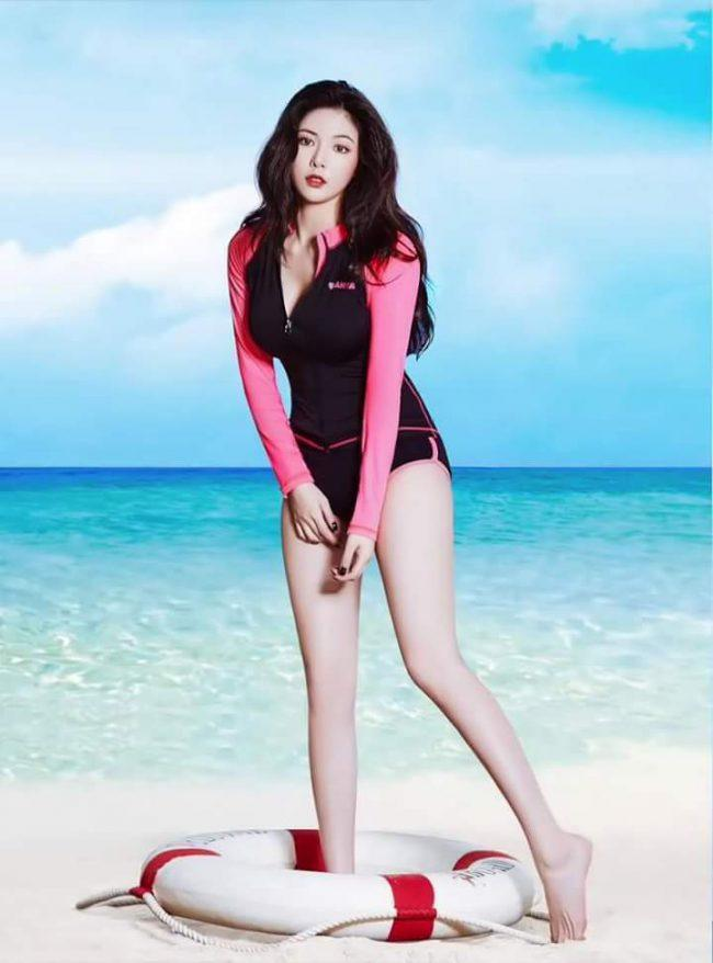 Hyuna Swimsuit photoshoot