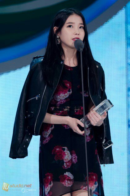 iu-black-hair