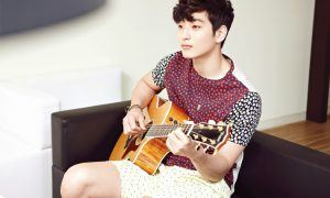 Image: Jeong Jinwoon on the guitar for Campus10 May 2013 magazine