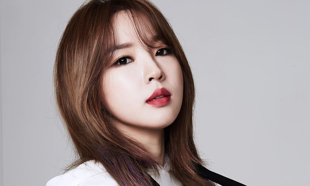 jiyoon shares charismatic profile photos for new agency js