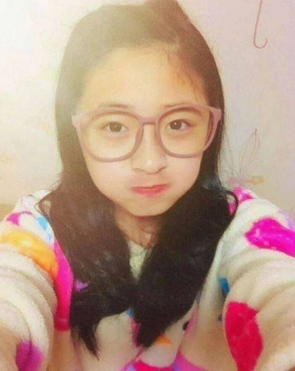 IOI's Pinky (Childhood photo)/ Dispatch