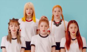 """Image taken from Red Velvet's """"Russion Roulette"""" MV"""