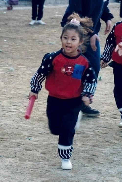 AOA's Seolhyun (Childhood photo)/ Dispatch