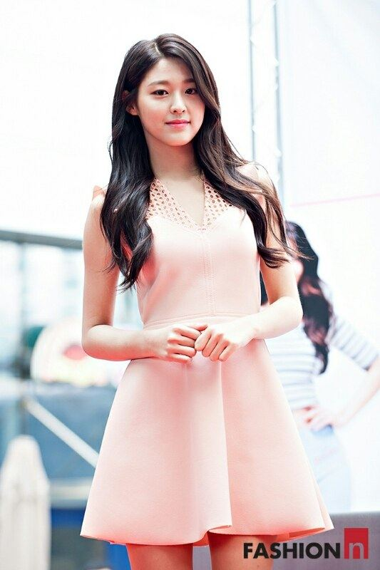 seolhyun-dress-1