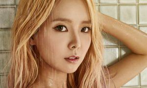 Image: Hyoeun posing with an alluring gaze for EXCEED