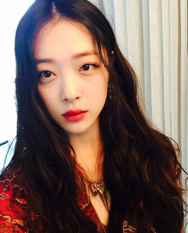 sulli-black-hair