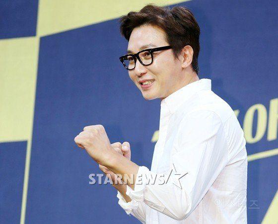Tak Jae Hoon (Birth name: Bae Sung Woo)/ Instiz
