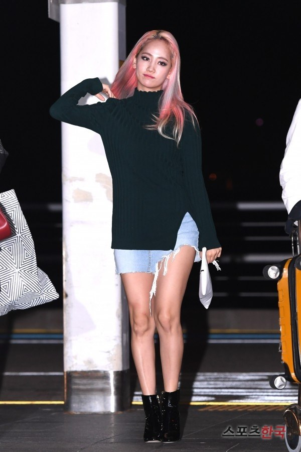 Wonder Girls' Yeeun at Incheon International Airport, on her way to Thailand / Image Source: Hankooki