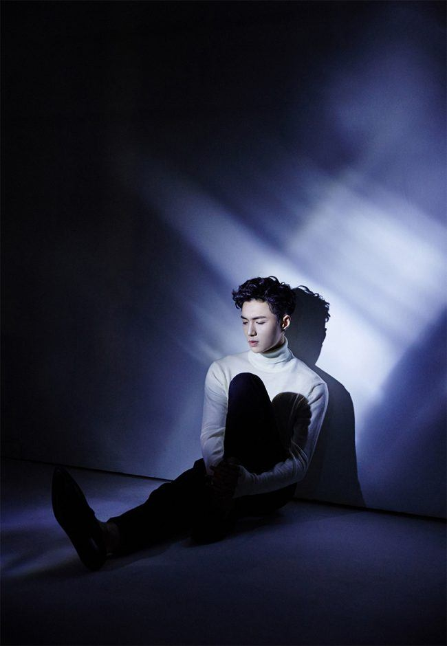 "Newly released photo teaser of EXO's Lay for mini album, ""Lose Control"" / Image Source: SM Entertainment"