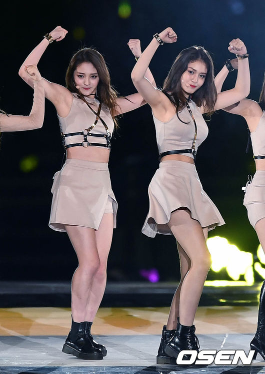 Jeon Somi Performs With Ioi At Busan Asian One Festival