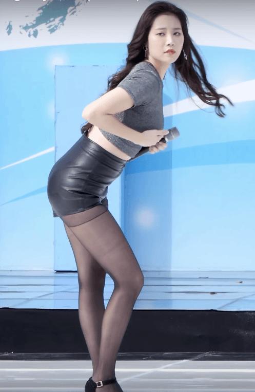 Sexy big hip girls-8070