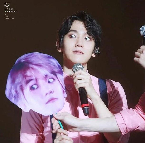 Fan shares guaranteed method of getting idols to notice ...