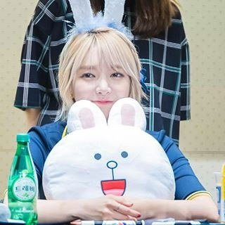 AOA Choa- Eldest members that look like makanes/ Pann
