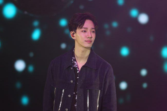 Image: Gikwang performing at Beautiful Night Special Fan Meeting in Hong Kong 2016  / Freez Ltd and Cube Entertainment