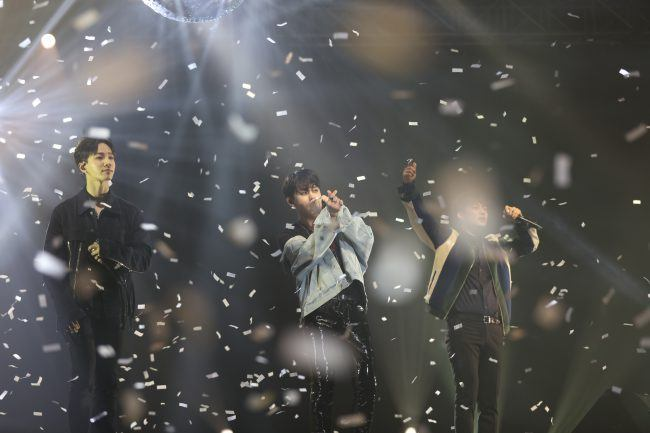 Image: Gikwang, Junhyung, Doojoon performing at Beautiful Night Special Fan Meeting in Hong Kong 2016  / Freez Ltd and Cube Entertainment