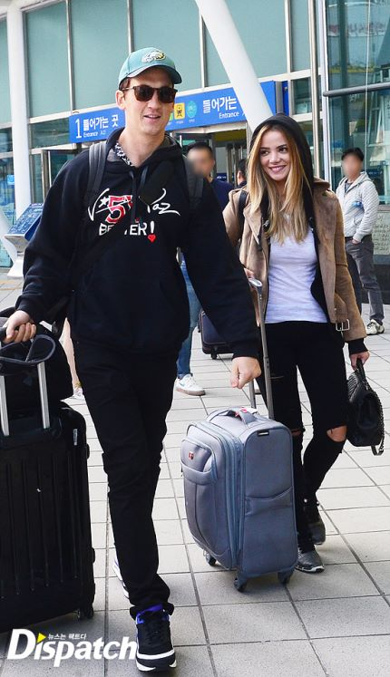 Actor Miles Teller and Model Keleigh Sperry spotted at the Seoul Station KTX / Image source: Dispatch