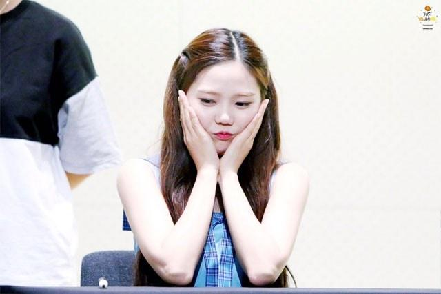 Oh My Girl Hyojung- Eldest members that look like makanes/ Pann