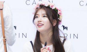 Suzy - Flower Wreath