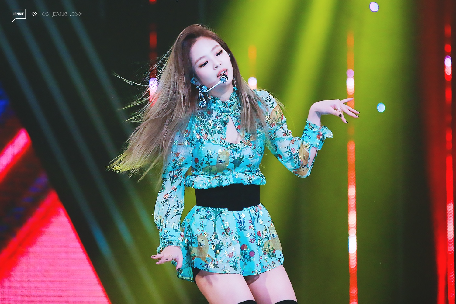 a8a4db4741123 Koreaboo   Jennie s new outfit has everyone going WHOA. - Celebrity ...