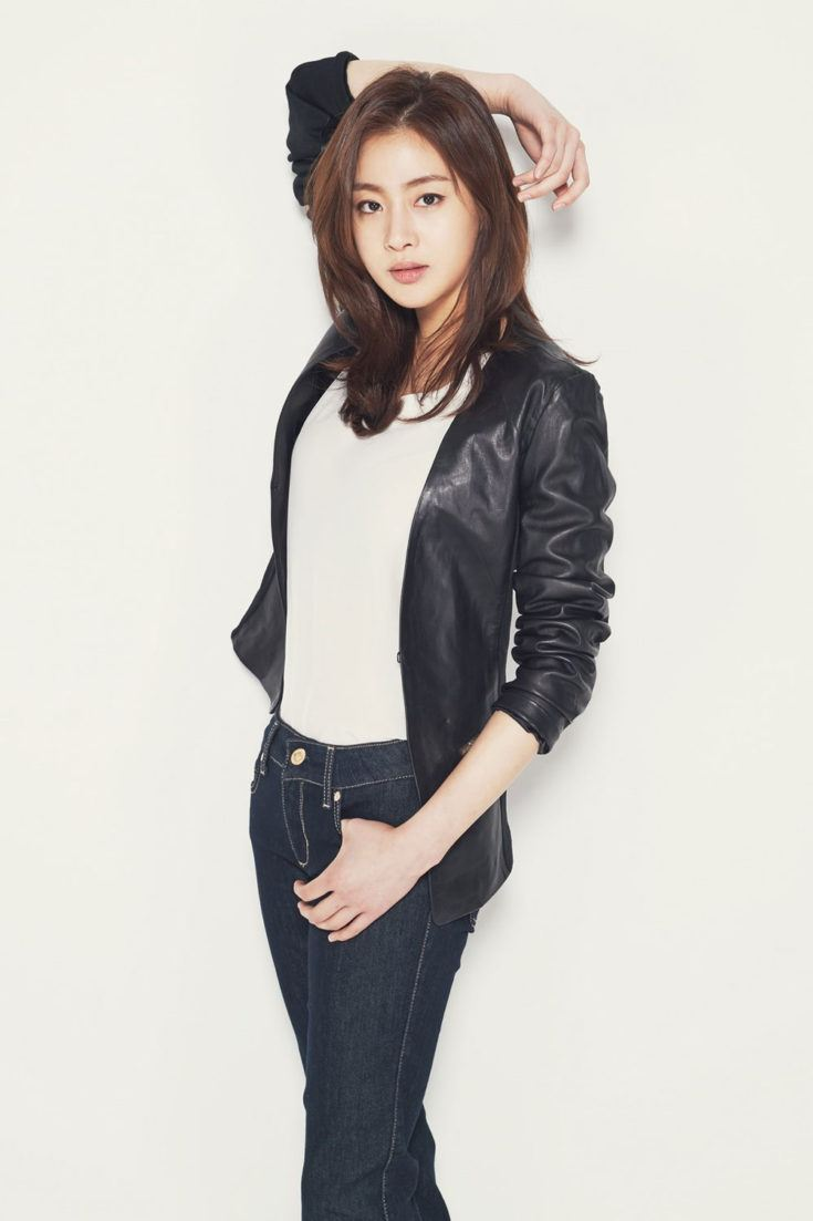 Kang Sora in Jeans and Leather Jacket