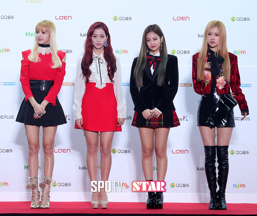 BLACKPINK posing for the media at the Melon Music Awards 2016. / Source: SPOTV