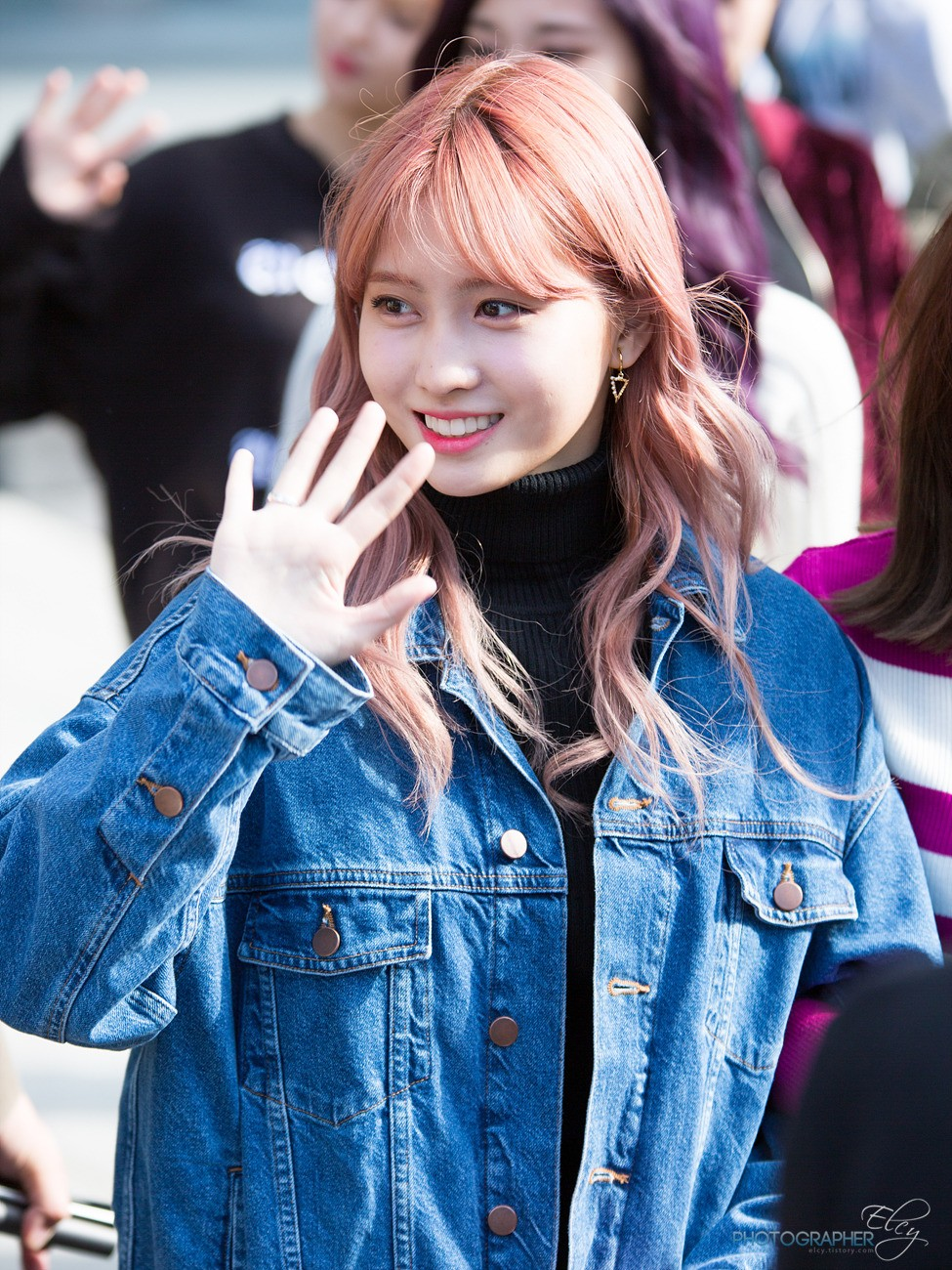 Everyone Should Be Dressing Like TWICE Momo, Here's Proof
