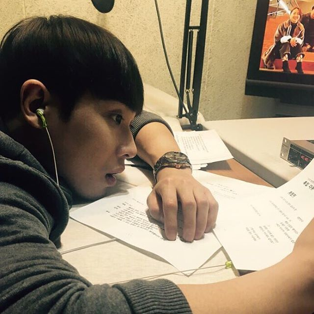 Lee Joon shared a small part of his acting process with fans in this post of him memorizing lines through the night.
