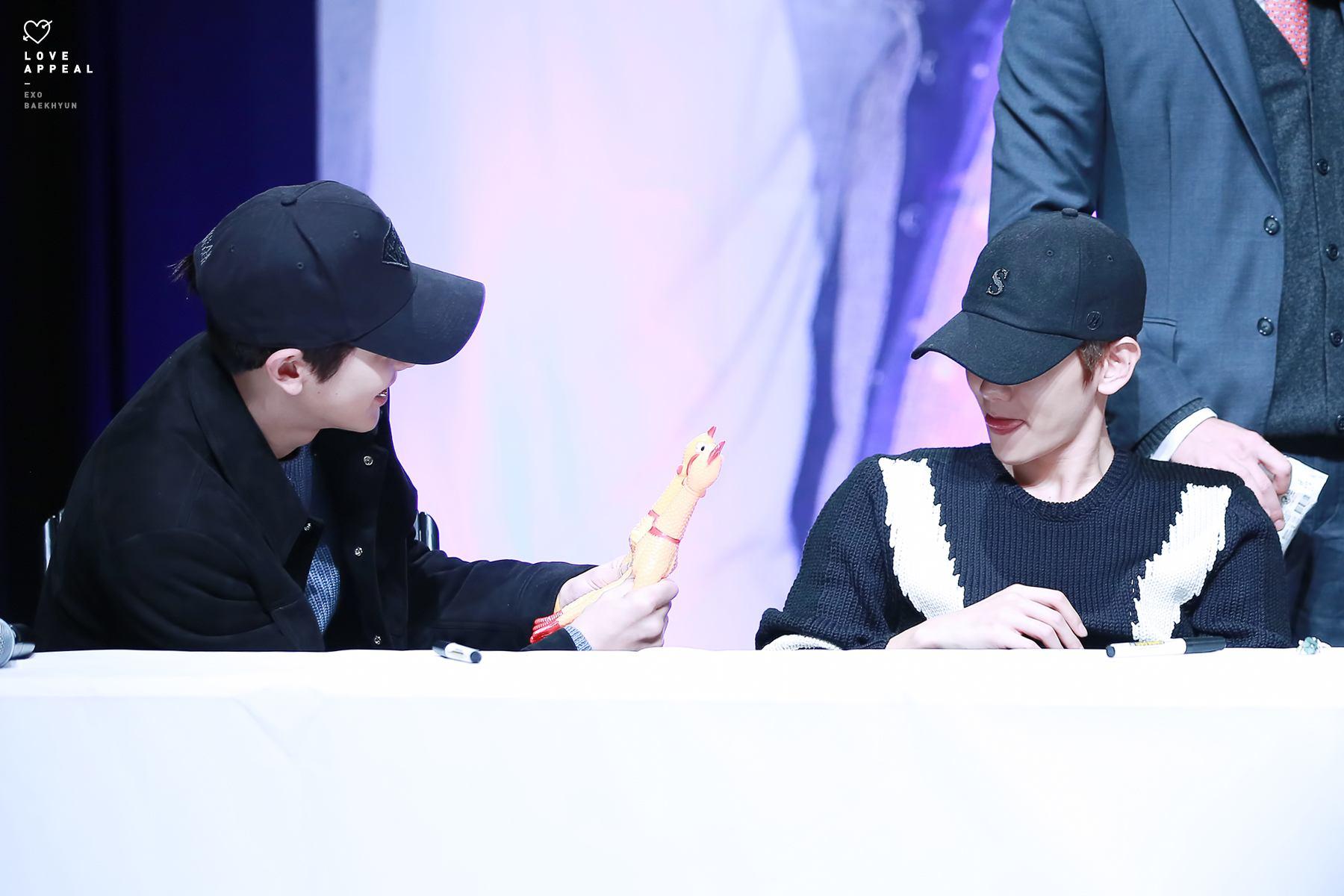 EXO's Chanyeol & Baekhyun