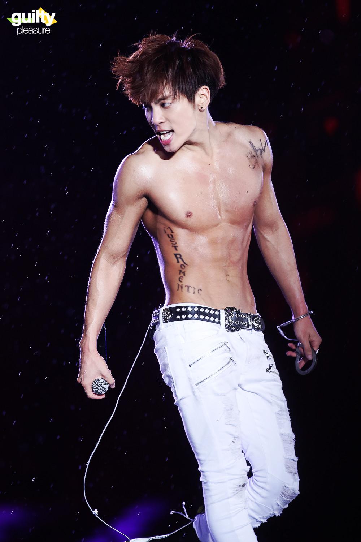 Jonghyun shirtless