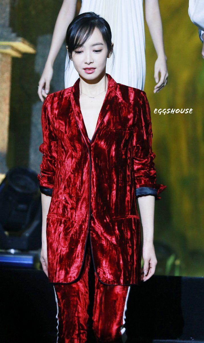 f(x) Victoria - Red Velvet 5