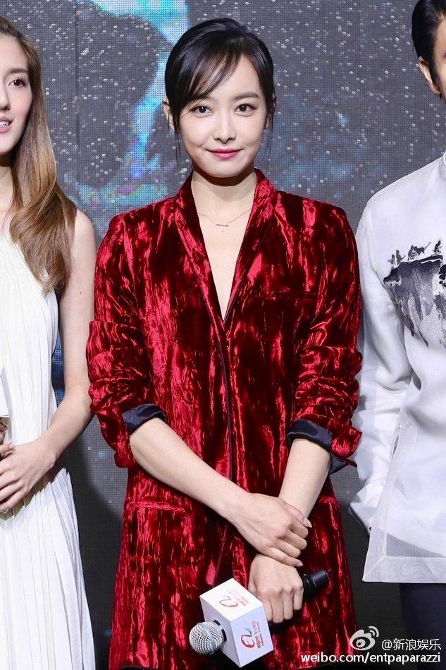 f(x) Victoria - Red Velvet 12