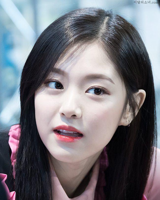 hyunjin-loona6