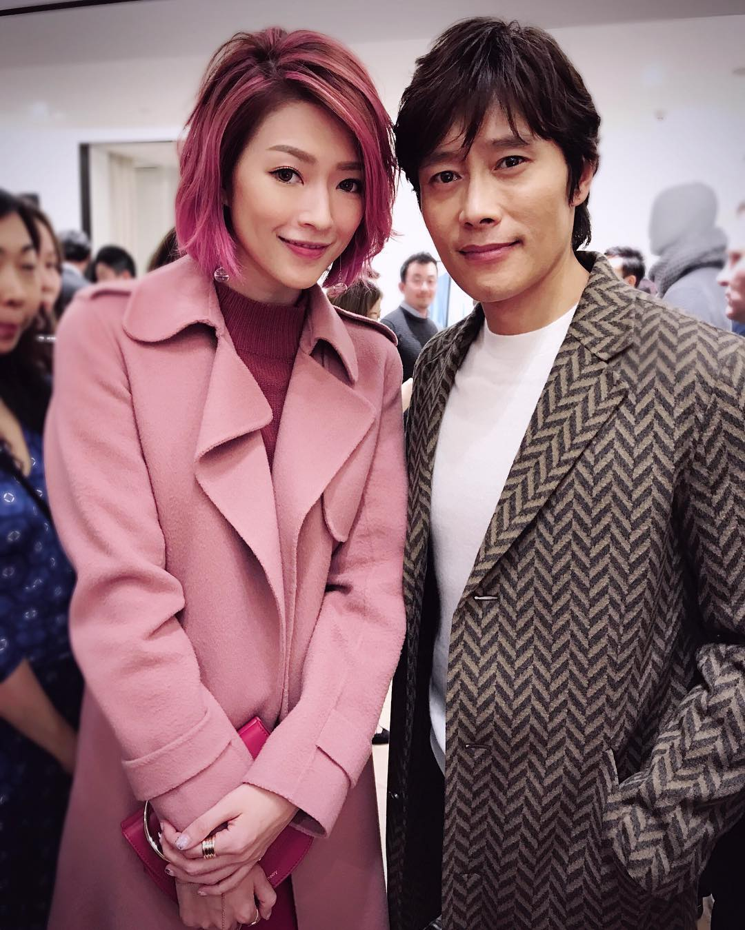 Lee Byung Hun with celebrity Shiga Lin.