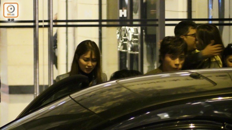 Lee Min Jung getting into the car.
