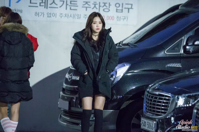 Naeun makes winter parka's sexy with long socks