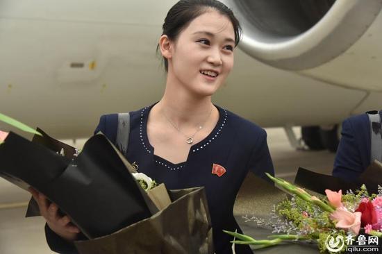 air-koryo-flight-attendant-smiling