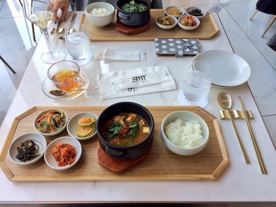Я вниз по какой-то корейской пищи прямо сейчас.