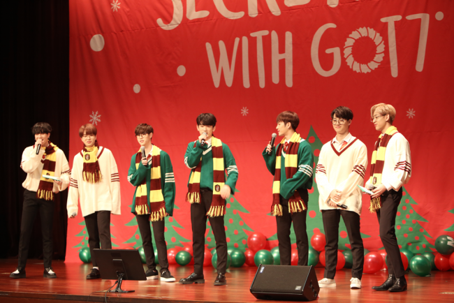 GOT7 in Harry Potter cosplay at their 'SECRETMAS with GOT7' event. / Source: Naver STARCAST
